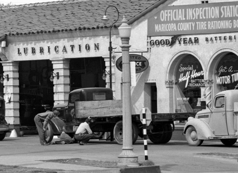 Paul_Bennett_Super_Station_truck_northwest_corner_Van_Buren_2nd_Ave_1943(1)