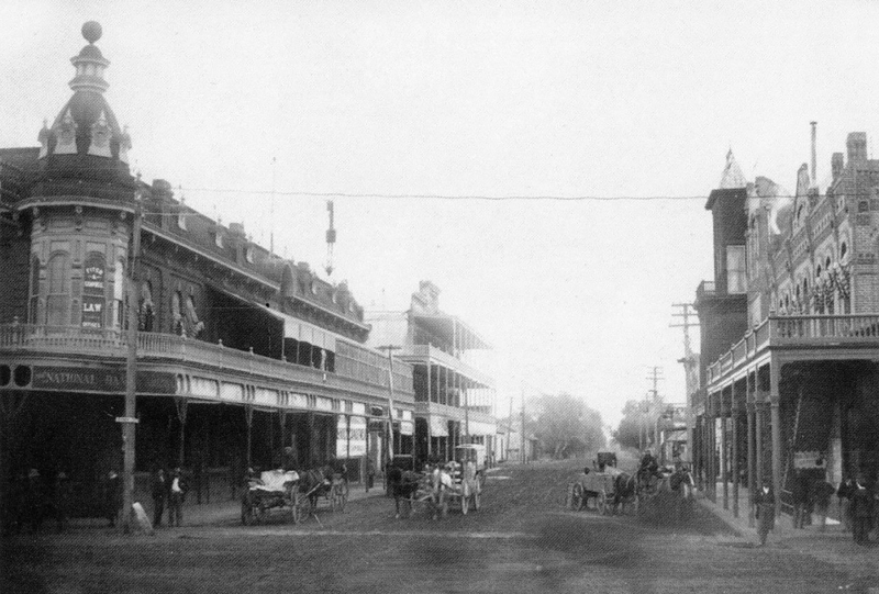 Central_Washington_looking_south_First_National_Bank_of_Arizona_Porter_Building_1905(1)