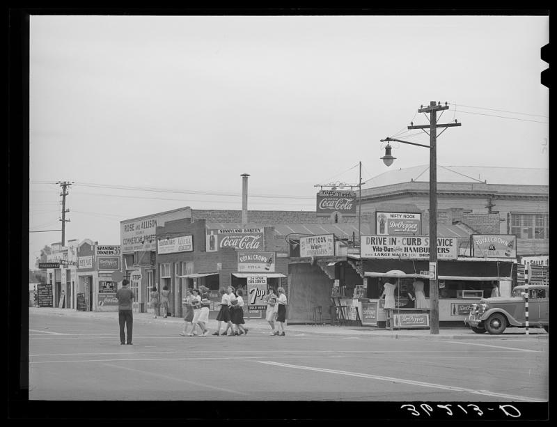 Nifty Nook 1940