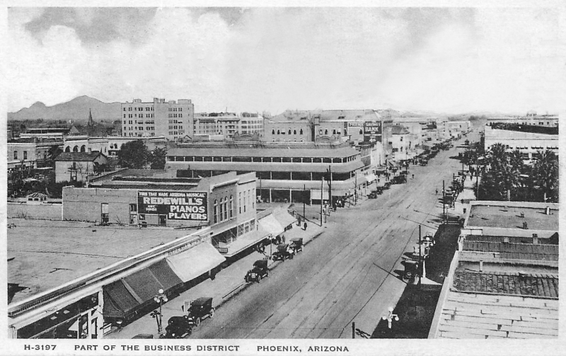 Washington_2nd_Ave_looking_east_Ford_Hotel_1915