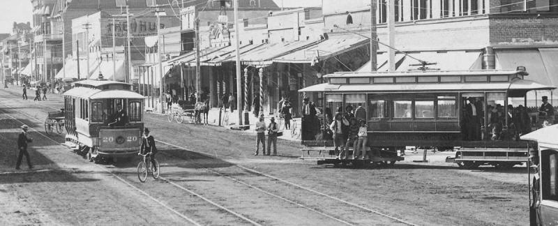 Washington_1st_St_looking_west_street_cars_1905