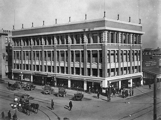 Washington_1st_St_northeast_corner_Korricks_Dorris_1915