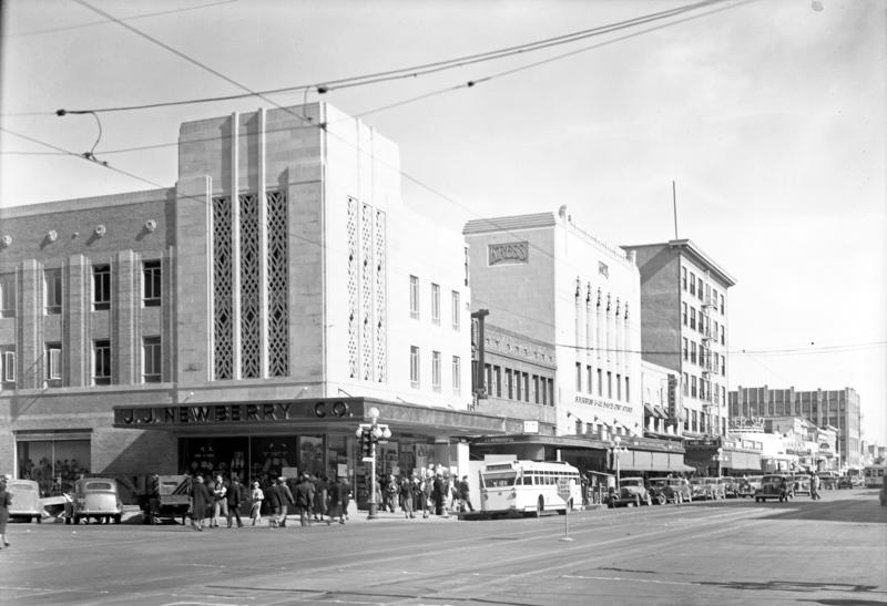 Washington_1st_Ave_northeast_corner_1940s