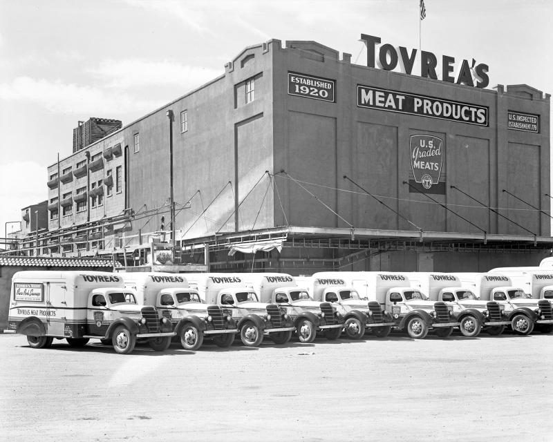 Trucks_Tovreas_Meat_Company_Packing_Plant_4601_E_Van_Buren_1940s