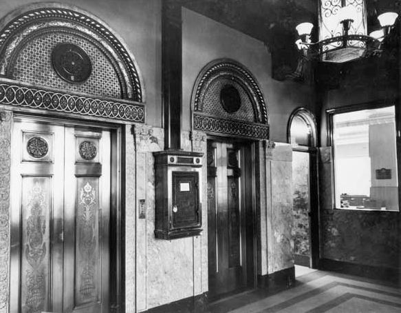 Luhrs_Tower_lobby_elevator_Jefferson_1st_Ave_1954(1)