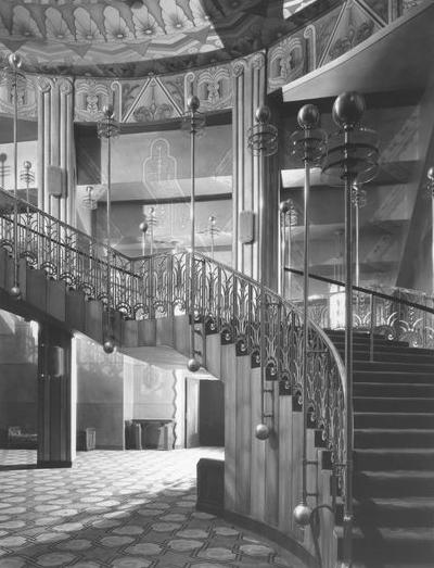 Fox_theater_stairway_1940s